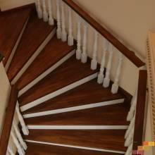 Лестница Г-образная через забежные ступени